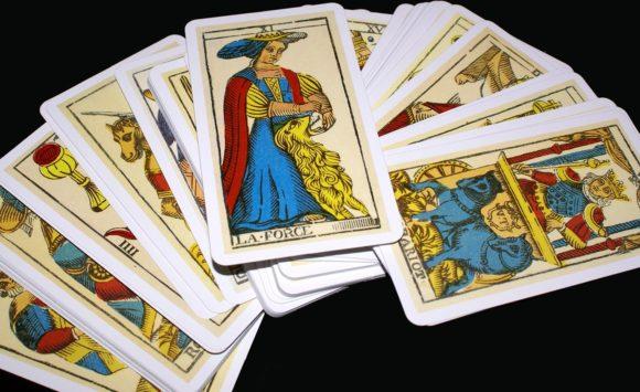 Tarotul – Arta divinației